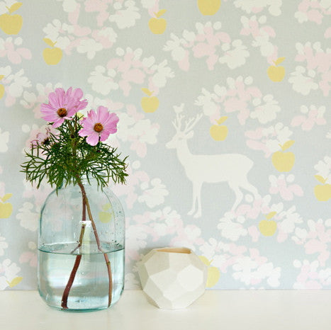 Majvillan Wallpaper Apple Garden in Grey