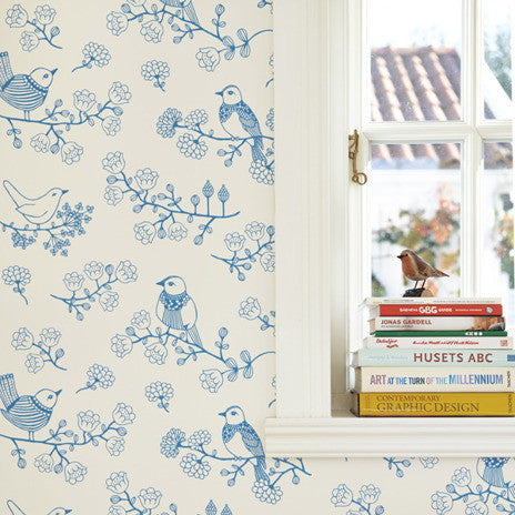Majvillan Wallpaper. Sugar Tree in Blue & Creamy White