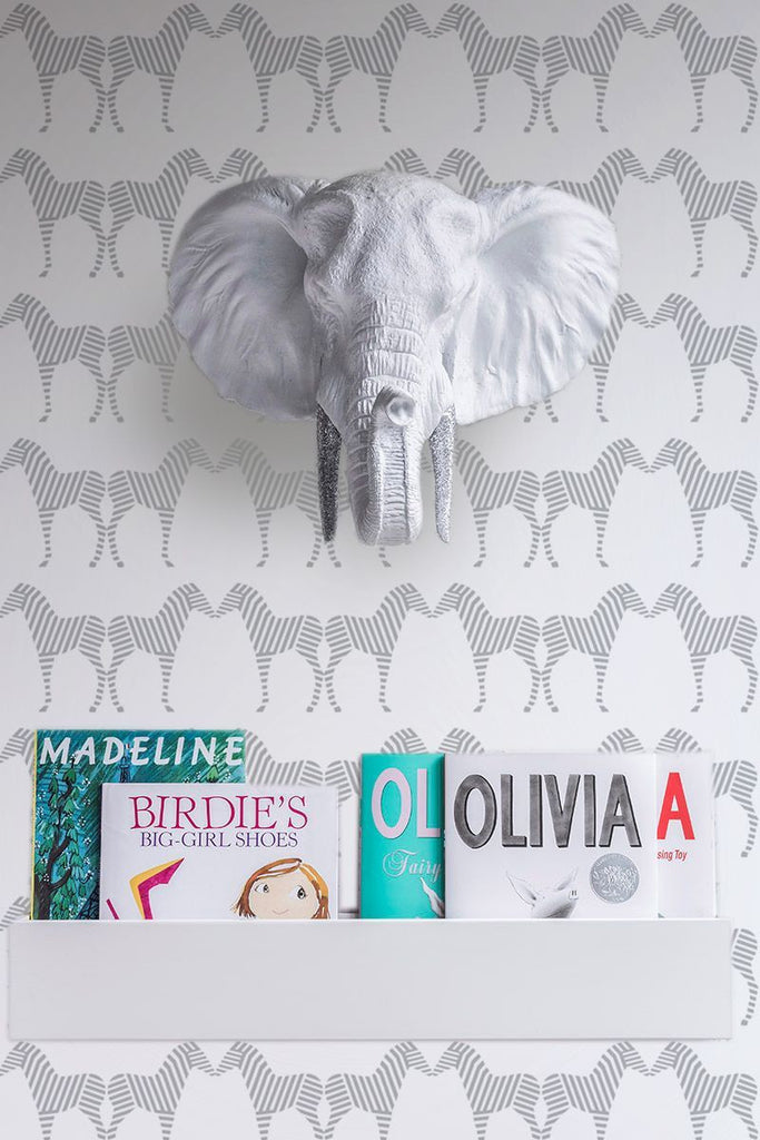 Sissy & Marley Childrens Wallpaper | Zee in Silver