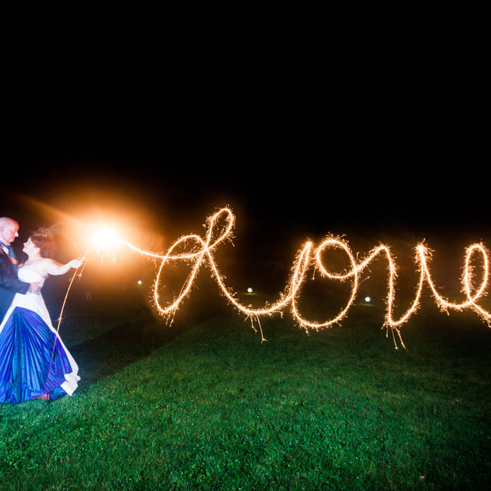 HOW TO TAKE EPIC SPARKLER PHOTOGRAPHS