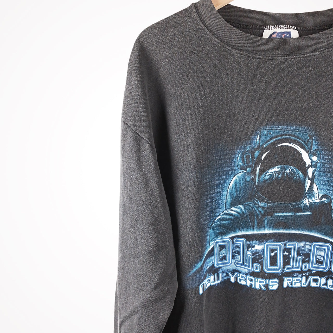 Vintage 2000 Astronaut New Years Revolution Binary Pullover Crewneck Sweatshirt