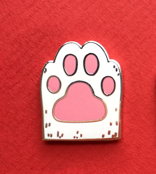 Lucky White Cat Paw Magnetic Enamel Pin Brooch