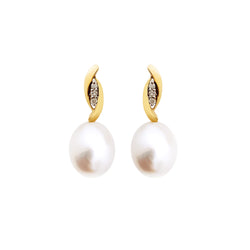 18K (750) Yellow Gold Ladies/ Women Everyday Pearl and Diamond Drop Earrings