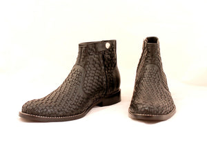 Weaved boots