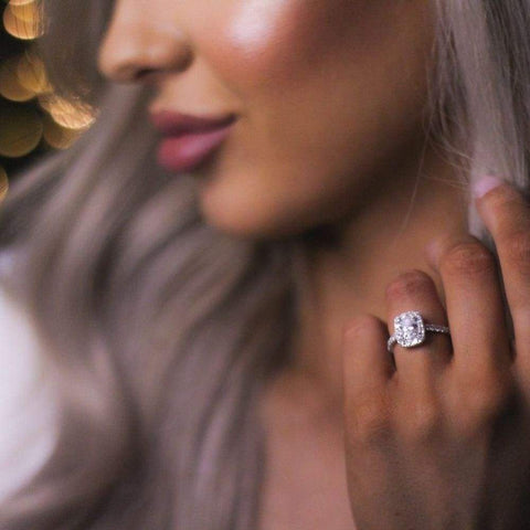 CLOUD Oval Engagement Ring