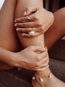 Statement shell ring goud
