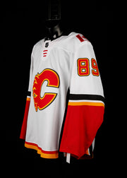 18-19 Game Worn Jersey Quine Away Set 1