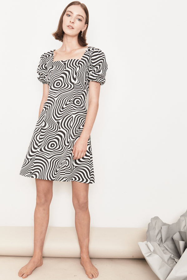 Arc & Bow Dress Magnetic Dress - Black & White