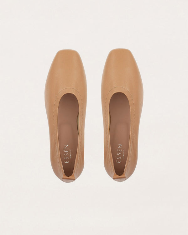 ESSĒN Shoes Tan Foundation Flat