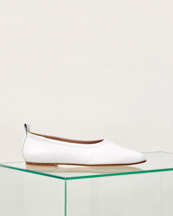 ESSĒN Shoes White / Leather / 35 White Foundation Flat