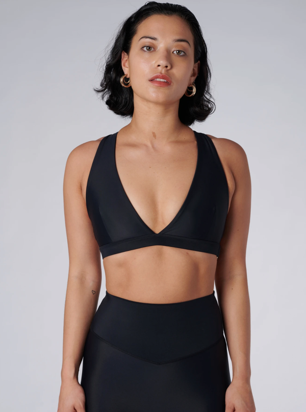 Outfyt Activewear Black Lilly V Bra