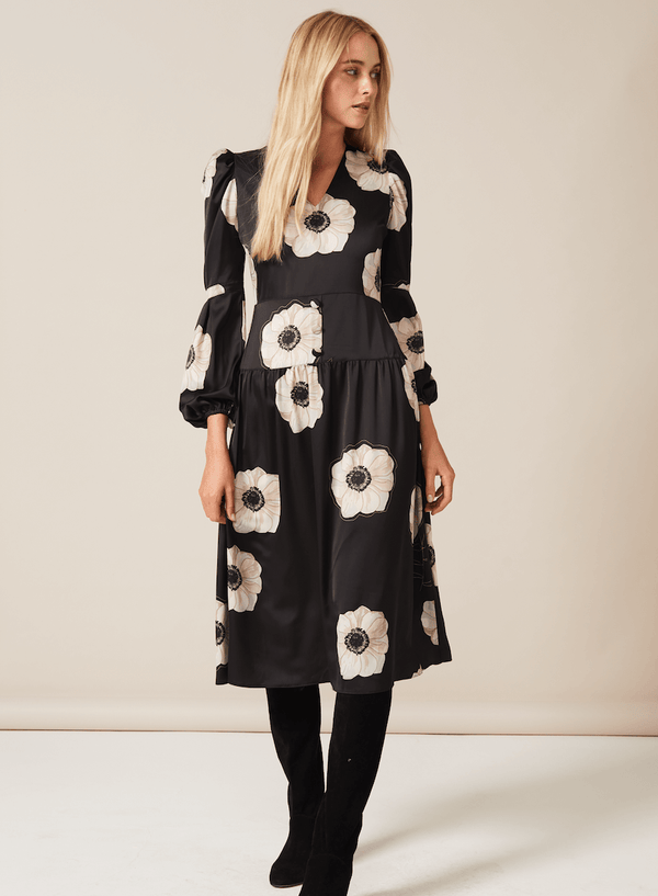 PHOEBE GRACE Dresses DAISY Midi Dress with v-neck and puff sleeve in Cream and Black Poppy