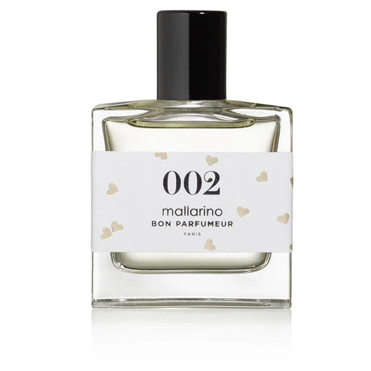 Eau de parfum 002 in 30ml format in collaboration with the mallarino brand composed of jasmine, white amber and neroli