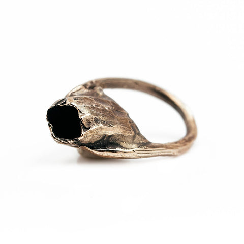 The golden capsule ring - Bronze