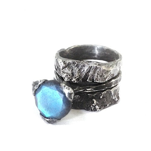 The birch rings - set of 2 in oxidized Silver