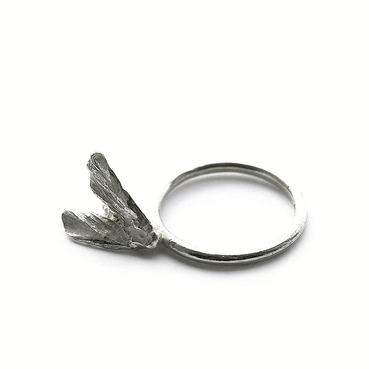 The moth ring - Silver