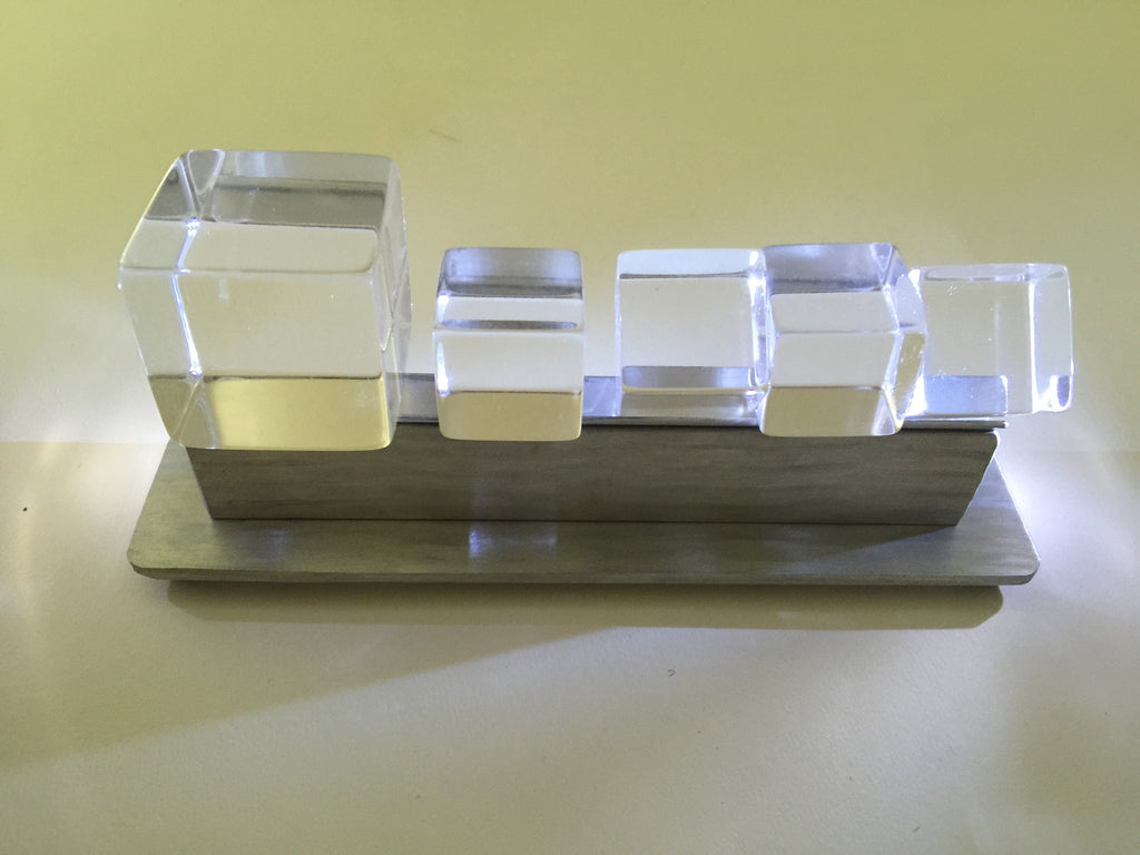 display stand for prisms