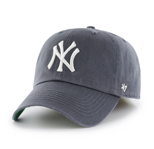 Load image into Gallery viewer, New York Yankees Vintage Navy `47 Franchise - City Limit NY