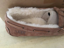 Load image into Gallery viewer, Women Ugg Mandie 10033799 Chestnut - City Limit NY