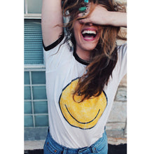 Load image into Gallery viewer, Smile Tee