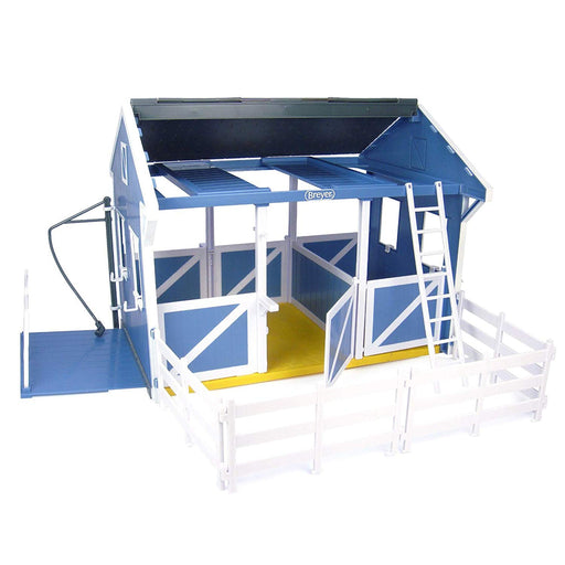 "Breyer Freedom Series (Classics) Country Stable with Wash Stall | 15"" x 9.5"" x 12"" 