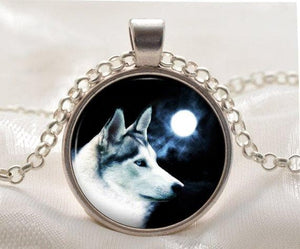 White Wolf Pendant - New Wolves - unique & trendy stuff