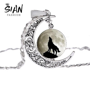 Vintage Wolf & Full Moon Chain Necklace - Wicca Pendant