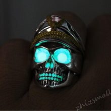 Load image into Gallery viewer, Glowing Skull Ring