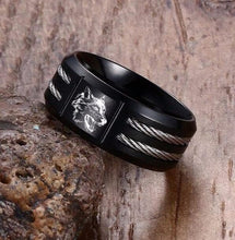Load image into Gallery viewer, Men's Stainless Steel Cable Ring - Wolf Theme - Beautiful Gift!