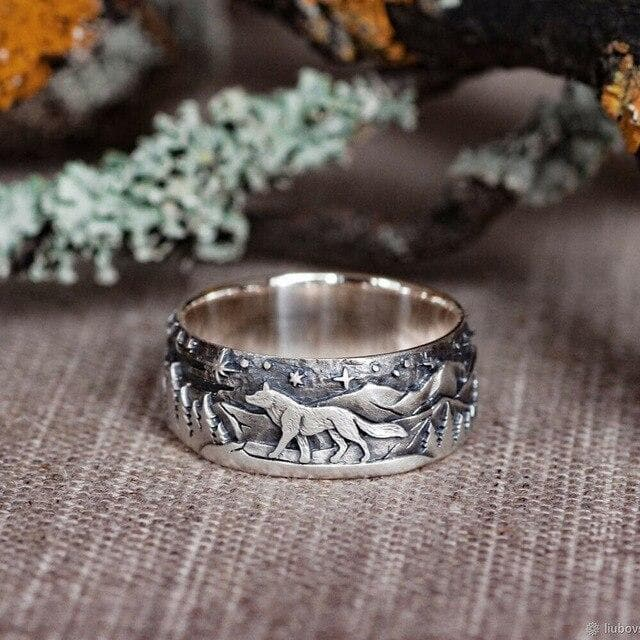 Vintage Silver Plated Ring - Wolf Walking Forest - For Men/Women