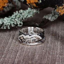 Load image into Gallery viewer, Vintage Silver Plated Ring - Wolf Walking Forest - For Men/Women