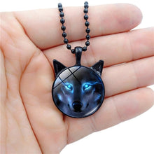 Load image into Gallery viewer, Wolf Necklace - New Wolves - unique & trendy stuff