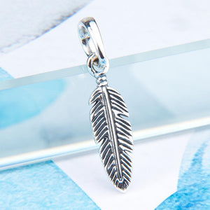 925 Sterling Silver Feather Charm - New Wolves - unique & trendy stuff