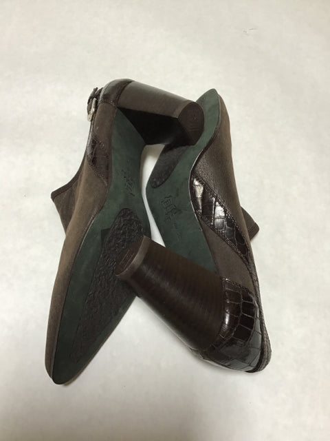 Donald Pliner Size 8 Brown Shoes Ankle Boots
