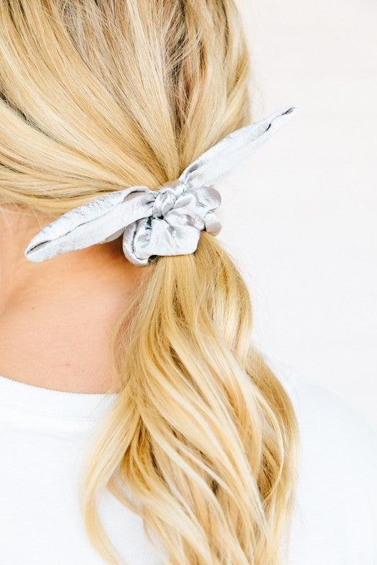 Mixed Metallic Scrunchie Bow