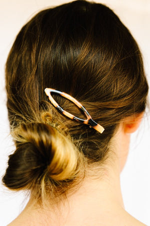 Bistro Oval Tortoise Hair Clip