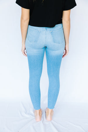Light Wash Highrise Ankle Skinnies