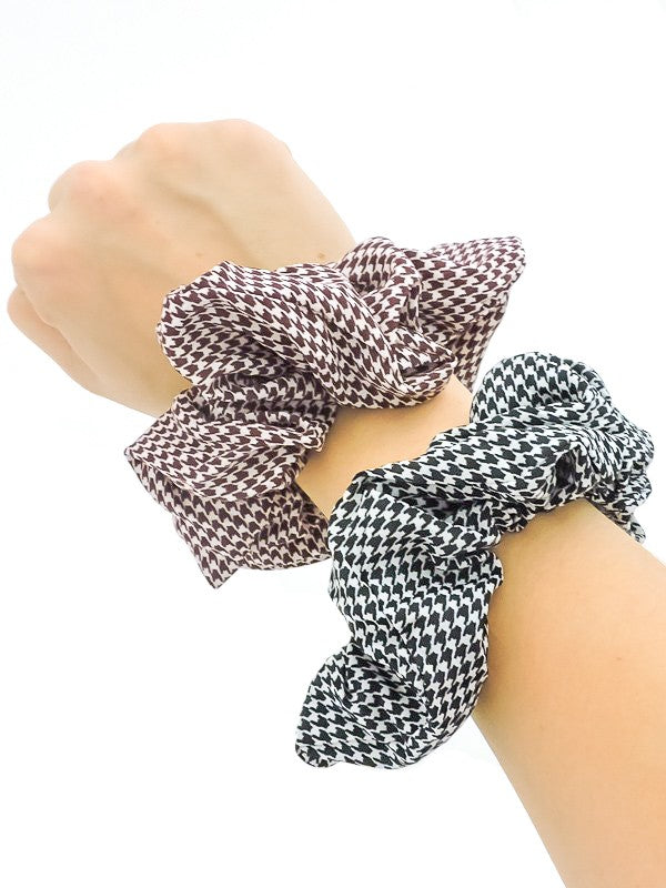 Mini Houndstooth Scrunchie
