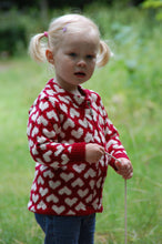 Load image into Gallery viewer, Little Heart Sweater Knitting Kit - DesignEtte