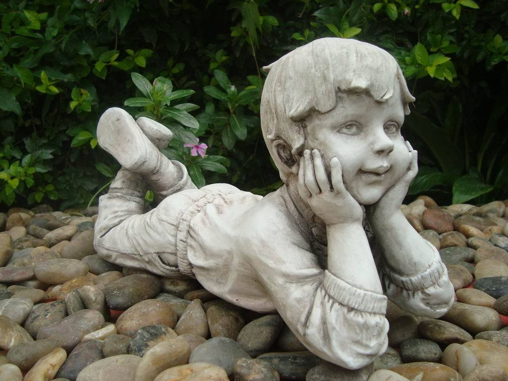 Statue Boy Thinking Sculpture Figurine Ornament Feature Garden Decor