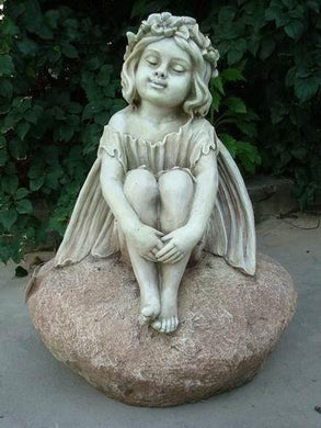 Statue Fairy Sitting on Rock Sculpture Figurine Ornament Feature Garden Decor