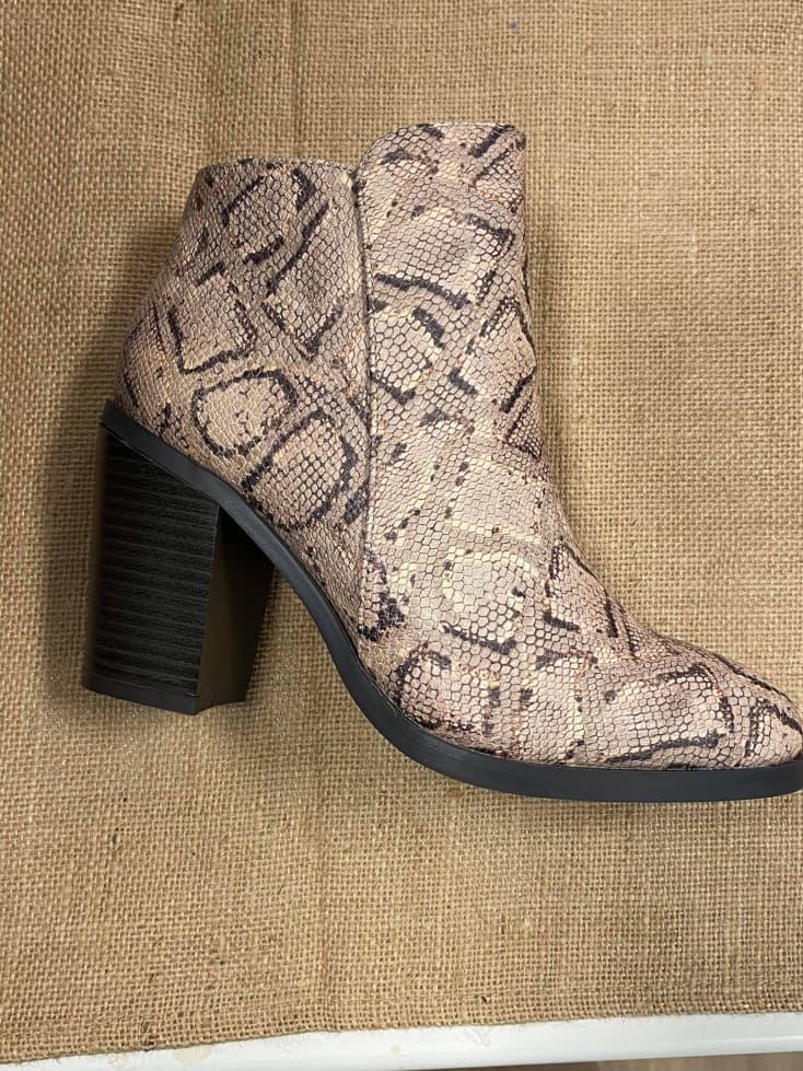 Sly Snake Boots - Cozy Calla Lily Boutique
