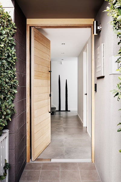 This super chic bachelor pad in Port Melbourne has longevity in mind, with the owner asking the designer to renovate with a future wife and children in mind! Smart!
