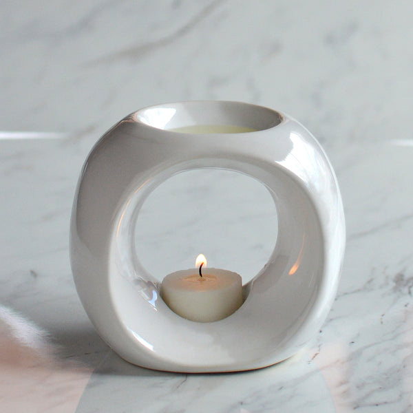 Oil Burner in White with Melts and Tea Lights
