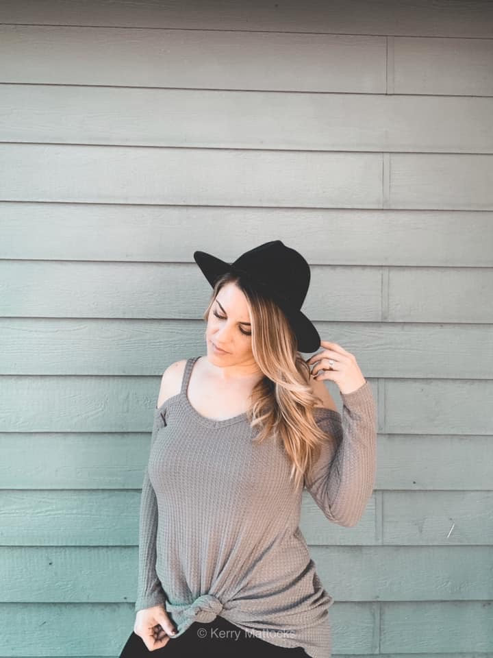 Dani - Cold Shoulder Top