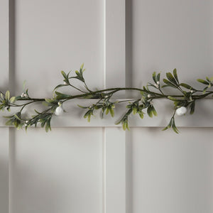 1.5m Mistletoe Artificial Christmas Garland