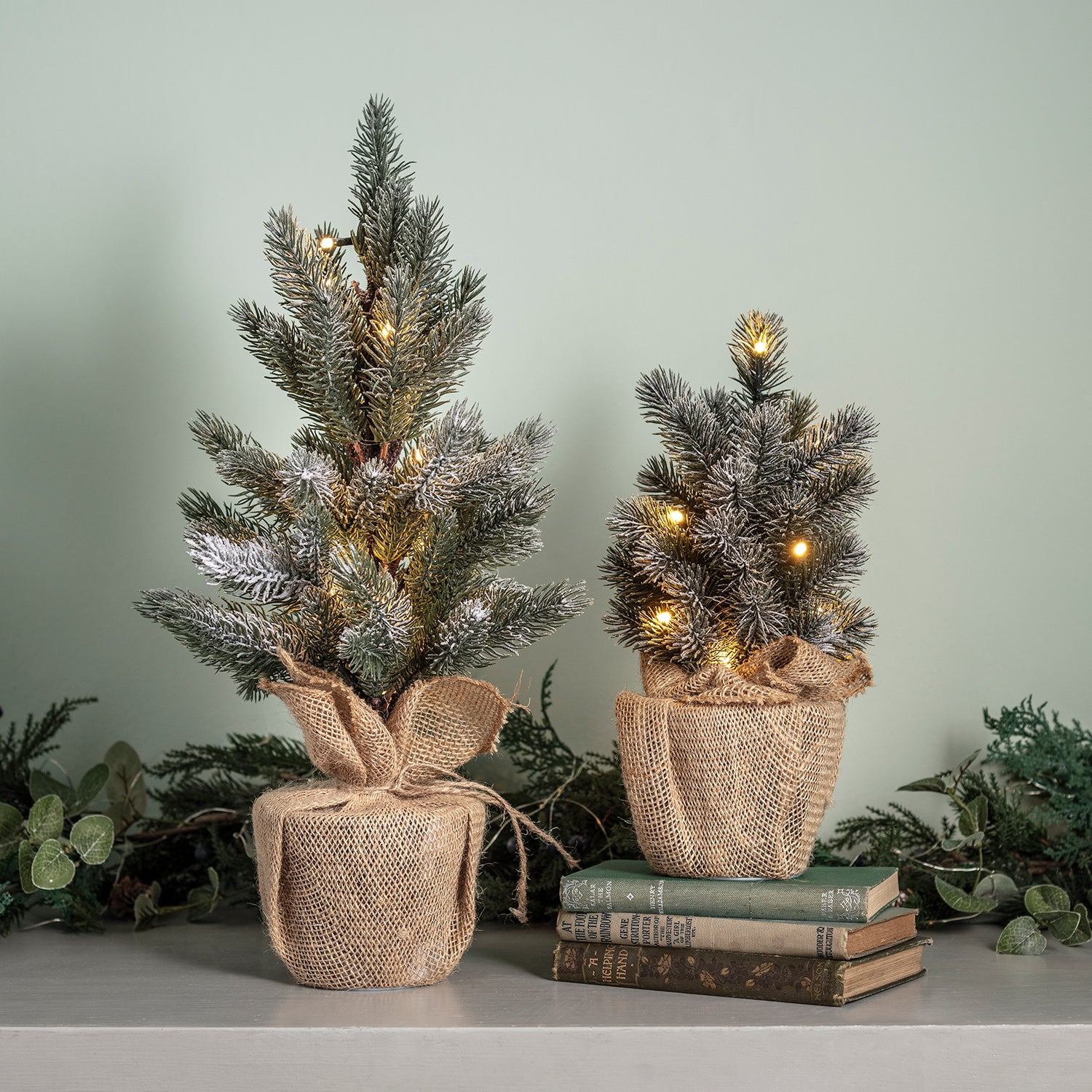 30cm Pre Lit Frosted Mini Christmas Tree | Lights4fun.co.uk