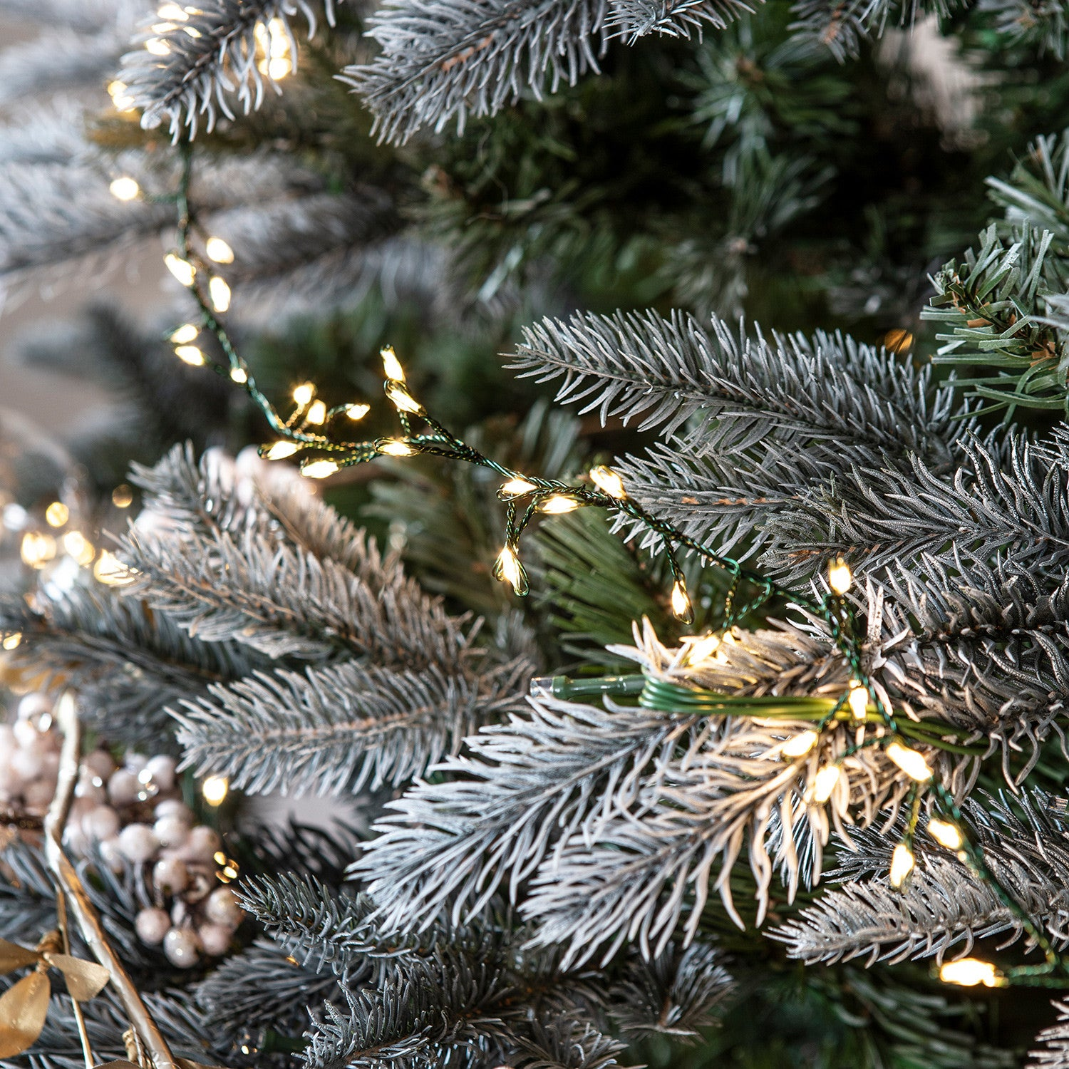 How Many Lights Per Foot Of Christmas Tree.How Many Lights Do I Need For My Christmas Tree Lights4fun
