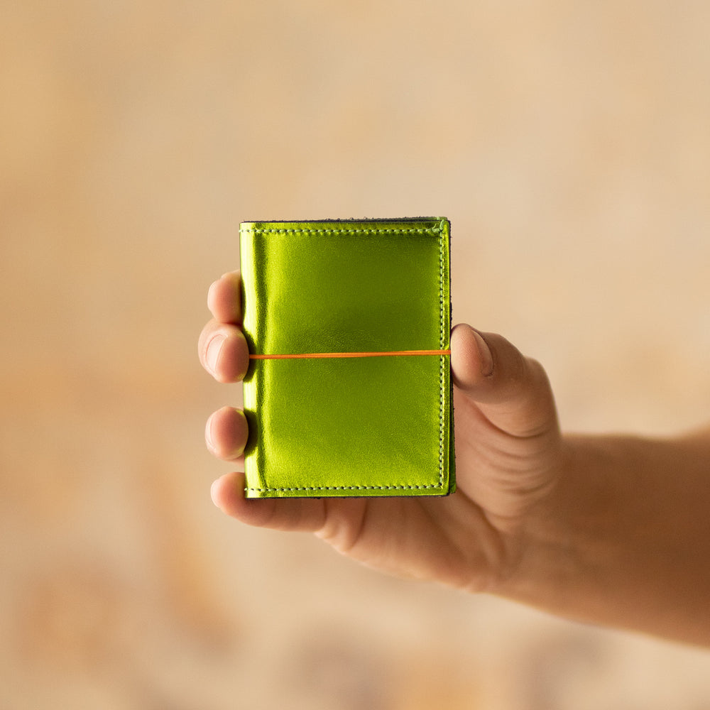 <transcy>Mini CB in jungle green metallic leather</transcy>