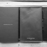 <transcy>Black premium leather portfolio</transcy>
